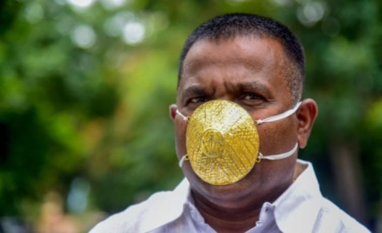 Böyle olur iş adamının koronavirüs maskesi... Değeri tam 4 bin dolar