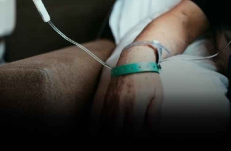 Uzmanlar kansere sebep olan 10 besini sıraladı