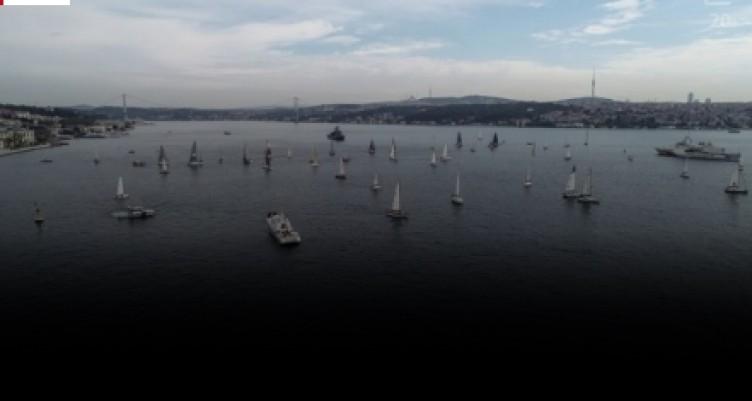 Cumhurbaşkanlığı Uluslararası Yat Yarışı, İstanbul Boğazı'nda başladı