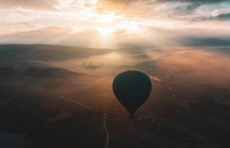 Sıcak hava balonları, 3 bin yıllık vadide yeniden uçuşa başladı