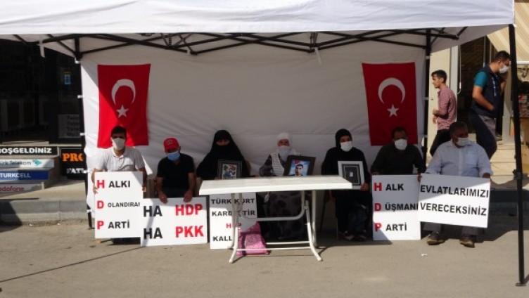 Acılı ailelerin feryadı: HDP ve PKK nasıl bizim ciğerimizi yaktıysa Allah ta onların ciğerini yaksın!