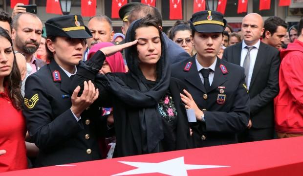 Kahraman Mesut Akmeşe son yolculuğuna uğurlandı