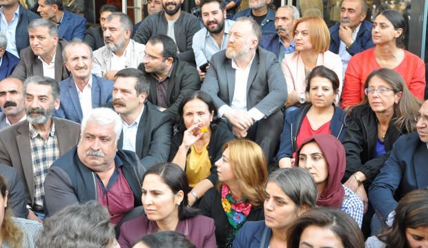 Rojava düşüyor, HDP'liler kahroluyor: 3 gün gelmiyorlar