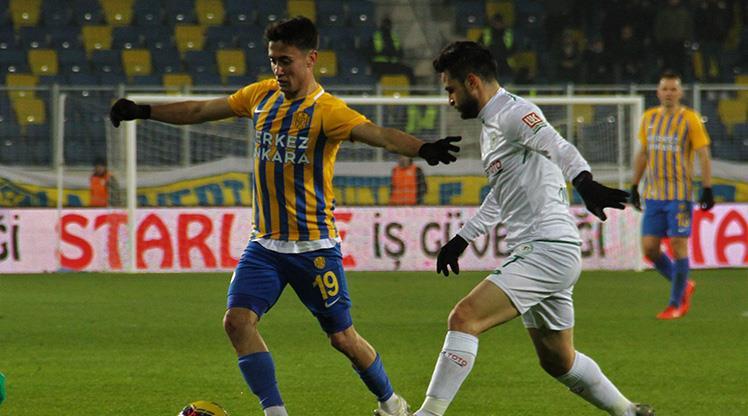 İkinci yarıyı Konyaspor açtı