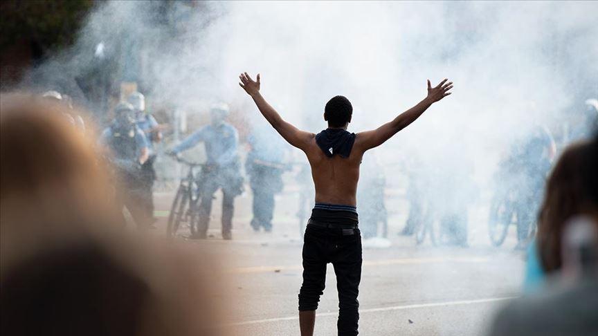 ABD'de protestolar kontrolden çıktı! Sokağa çıkma yasağı ilan edildi
