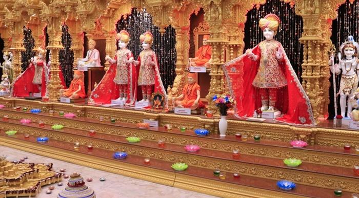 Hindu Din adamı bir kişinin başını baltayla kesip 'tanrıya kurban etti'