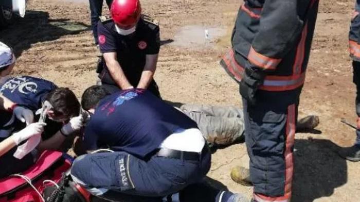 Korkunç olay: Araçların arasında kalan işçinin acı ölümü