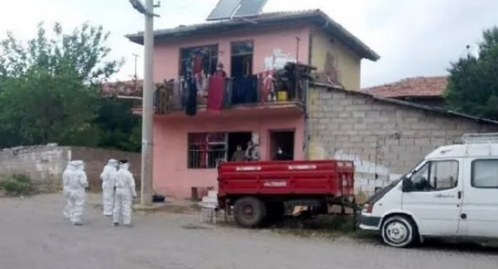 Süleyman Demirel'in köyünde karantina başladı