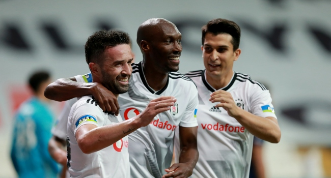 Beşiktaş'tan iki imza