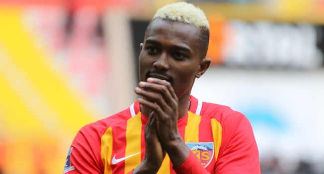 Galatasaray Mensah'tan vazgeçmiyor