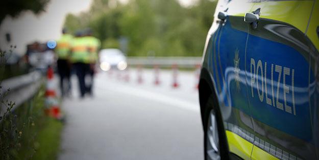 Avrupa ülkesinde otomobiliyle kalabalığa dalan sürücü dehşet saçtı! Ölü ve yaralılar var