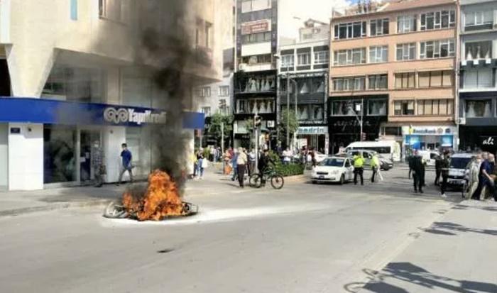 Cezaya sinirlenip motosikleti ateşe verdi
