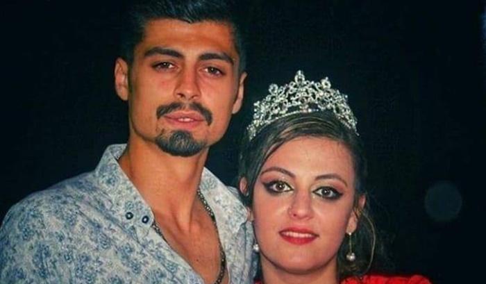 Karı koca yarım saat arayla bıçaklandı