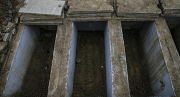 Türkiye'nin Kovid-19 gerçeği: İşte Ortaköy Mezarlığı...