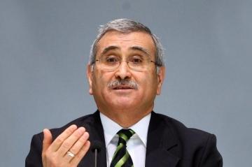 Eski Merkez Bankası Başkanı Durmuş Yılmaz, doların neden yükseldiğini açıkladı