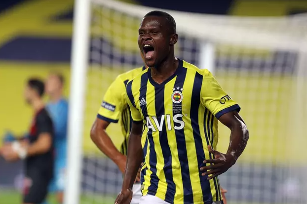 Beşiktaş derbisi öncesi Fenerbahçe'nin golcüsünden kötü haber