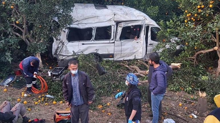 Hatay'da feci kaza! Tarım işçilerini taşıyan minibüs devrildi