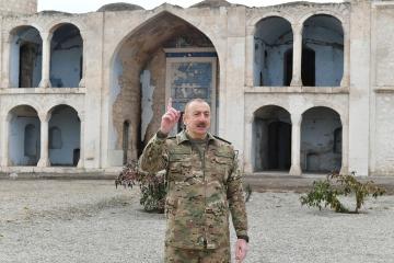 Ağdam ziyaretinde konuşan Aliyev'den Türkiye mesajı