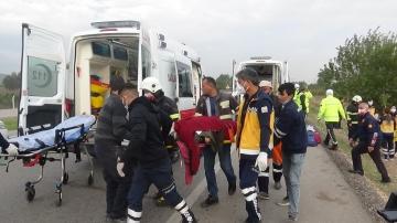 Cenaze için yola çıktılar, 9 kişi yaralandı