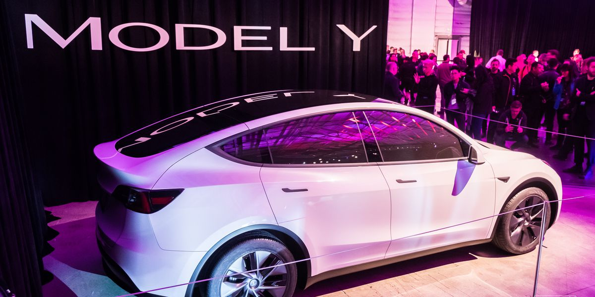 Tesla, en ucuz otomobilini satışa çıkardı