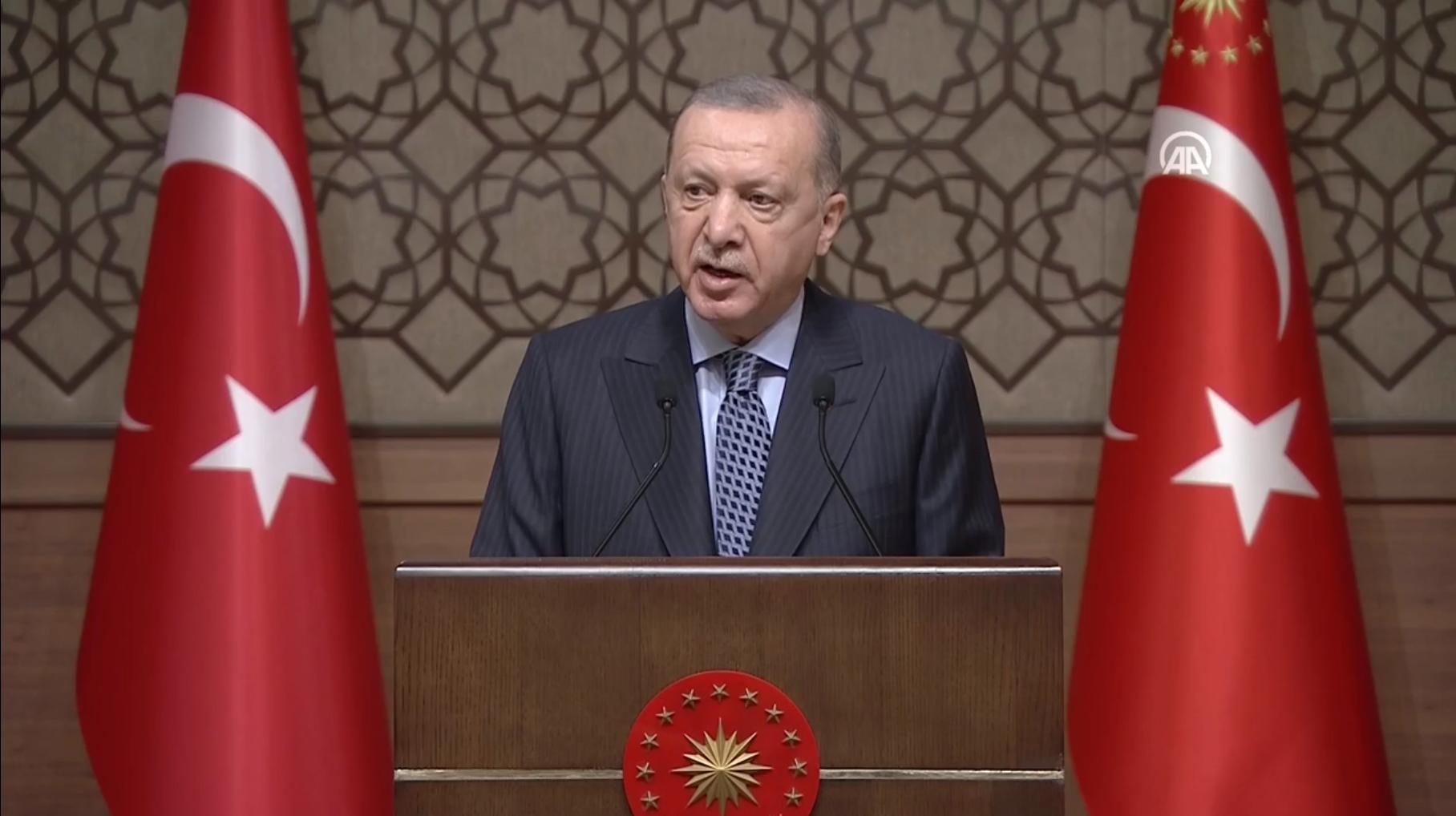 Cumhurbaşkanı Erdoğan: Sanal dünyaya asla teslim olmayacağız