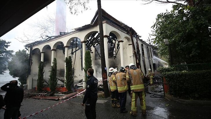 Tarihi Vaniköy Camii'ndeki yangınla ilgili flaş gelişme
