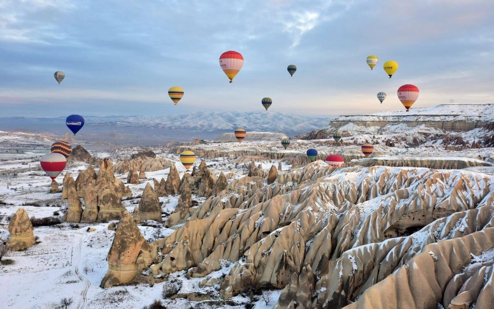 Kar altında kalan Nevşehir'in ilçeleri, eşsiz manzarasıyla hayran bıraktı