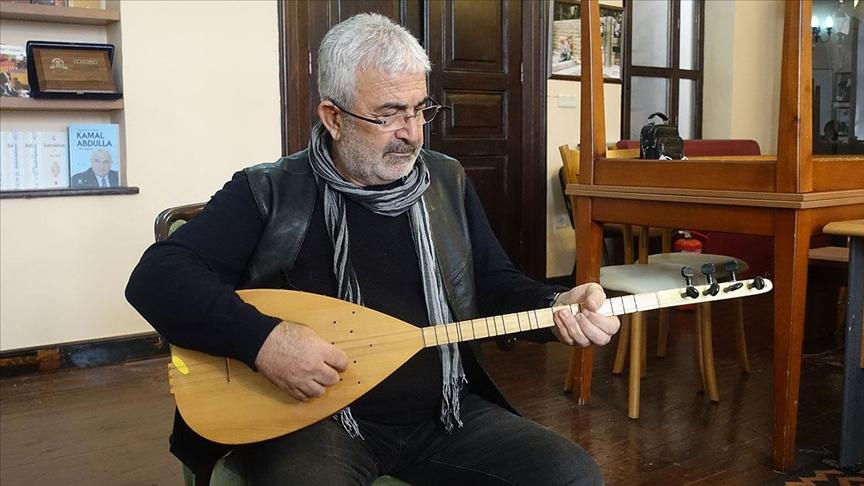 Sanatçı Esat Kabaklı: Halk var olduğu müddetçe türküler var olacaktır