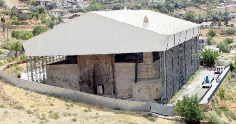 Tarihi Divriği Ulu Cami'ye yeni restorasyon ihalesi