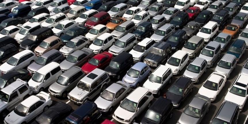 Düşük fiyatlı ve kilometresi yüksek otomobillere talep arttı
