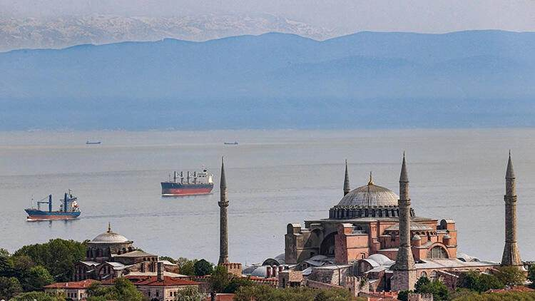Tam kapanma sürecinde İstanbul'dan göründü