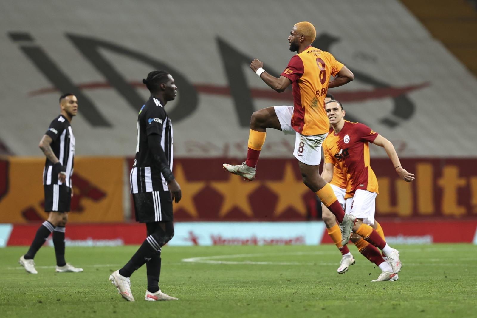 Zirve karıştı! Dev derbinin kazananı Galatasaray