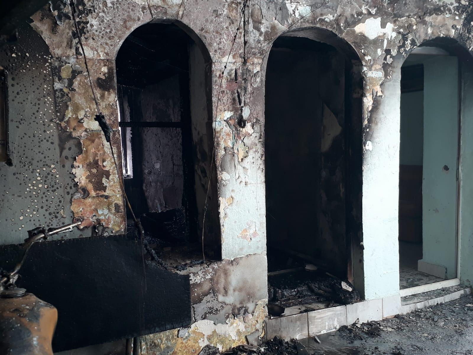 Annesiyle tartışıp odayı ateşe verdi, feci şekilde hayatını kaybetti