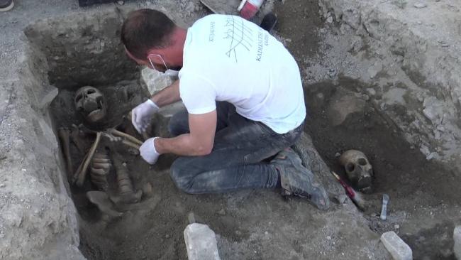 Aydın'da 13. yüzyıla ait mezarlar bulundu