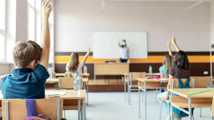 Telafi eğitiminin detayları belli oldu! Öğrenciler karnelerini ne zaman alacak?