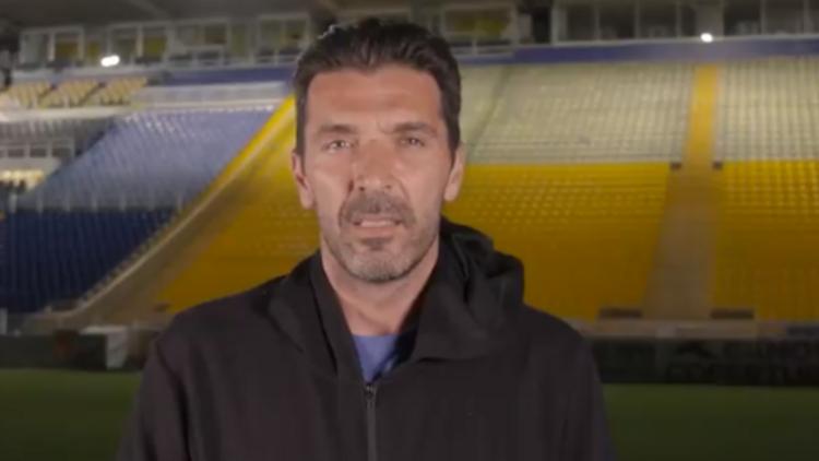Buffon 20 yıl sonra yeniden Parma'da