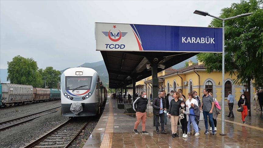Safranbolu'nun yeni turizm alternatifi 'demir yolu' ile seyahat