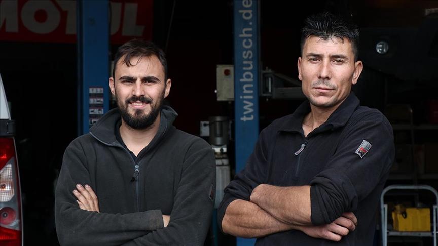 Türk tamirci Fransa'nın 'araba doktoru' oldu