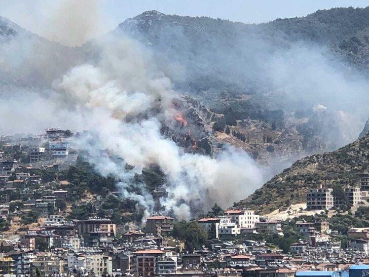 Hatay'da orman yangını! Evler boşaltılıyor
