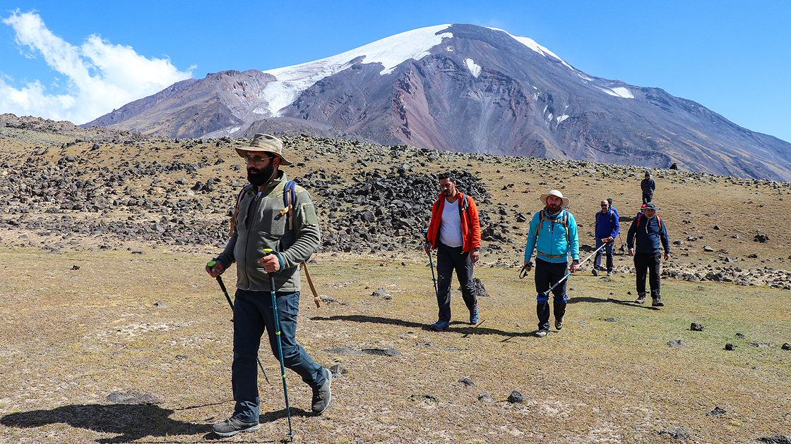 Huzura kavuşan Ağrı Dağı'nın Iğdır rotası da doğaseverlerin uğrak yeri oldu