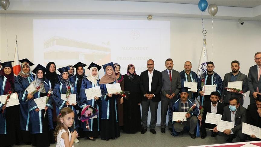 Strazburg DİTİB Açıköğretim İmam Hatip Lisesi öğrencilerinin ilk diploma heyecanı