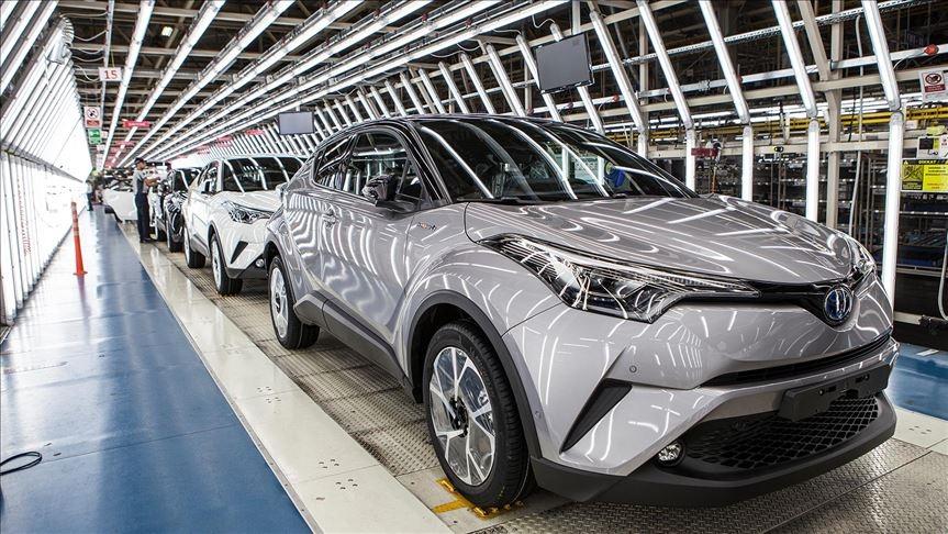 Toyota yarı iletken çip sıkıntısı ve Kovid-19 etkisi nedeniyle küresel üretimini düşürüyor