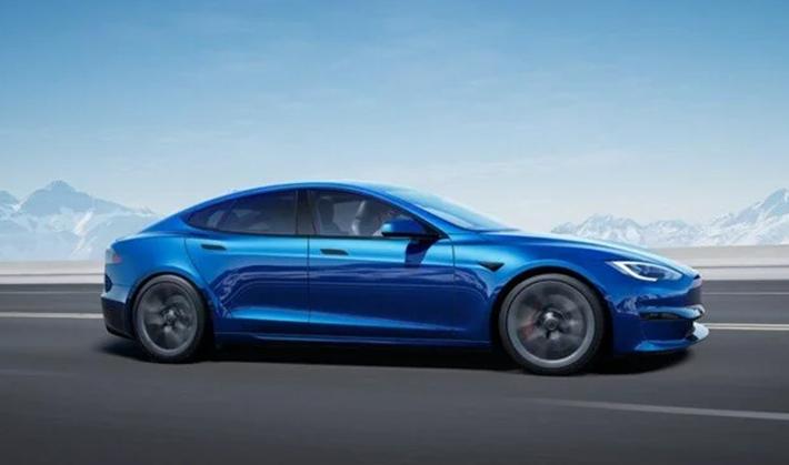 Tesla o ülkede hız rekoru kırdığını duyurdu