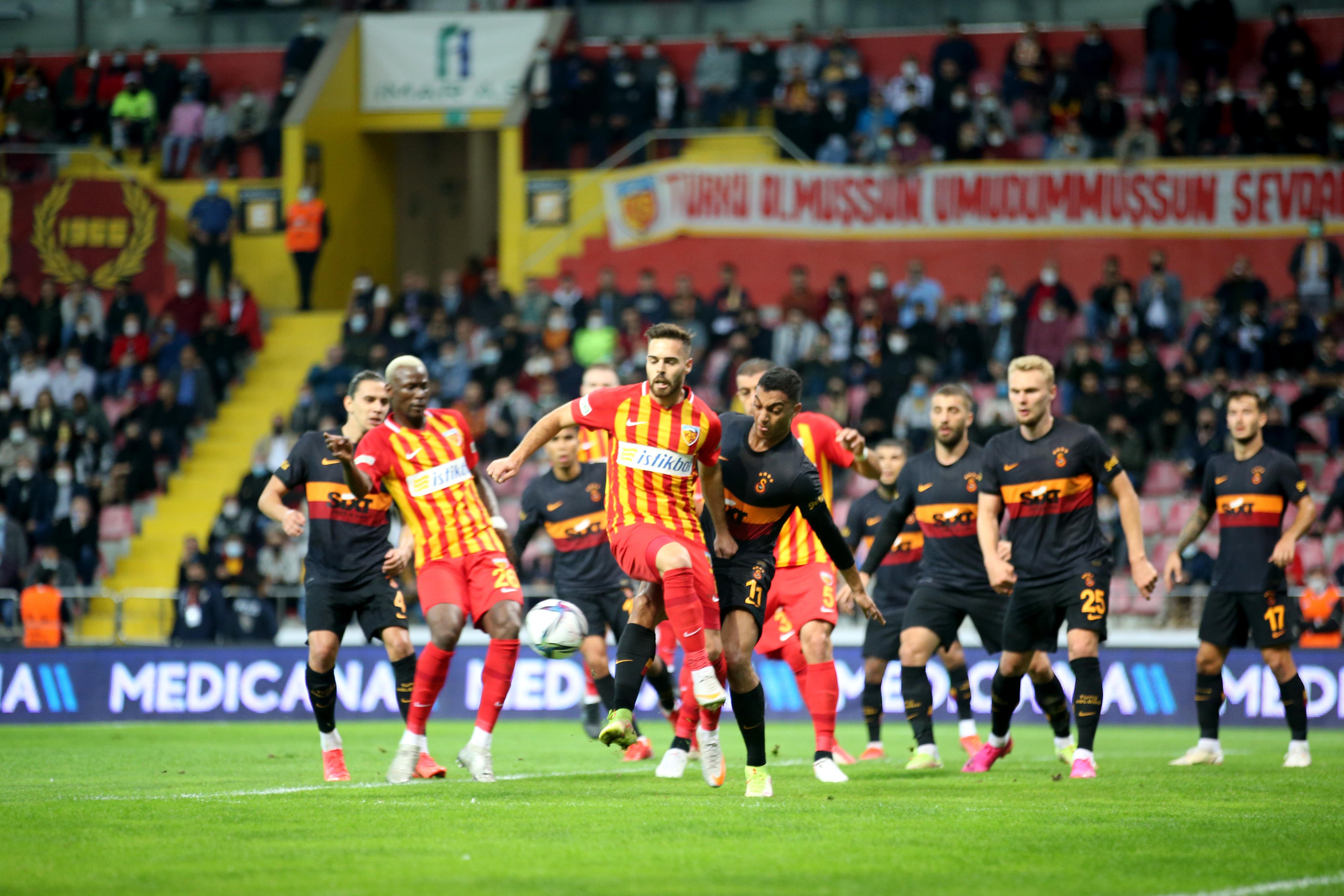 Kayserispor, Galatasaray'ı darmadağın etti