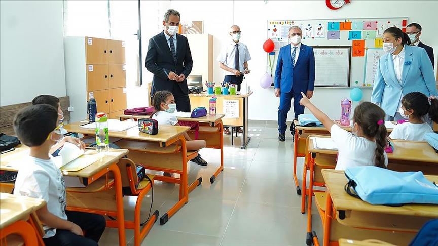 Özer: Okullar ilk açılan ve en son kapanan yerler olmak durumundadır