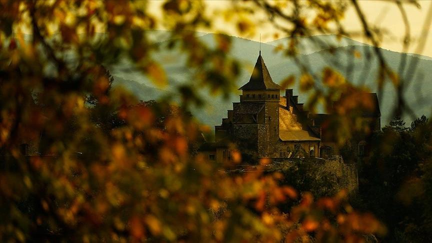 Bosna Hersek'te pek çok dönemin izlerini taşıyan Osmanlı kalesi: Ostrozac