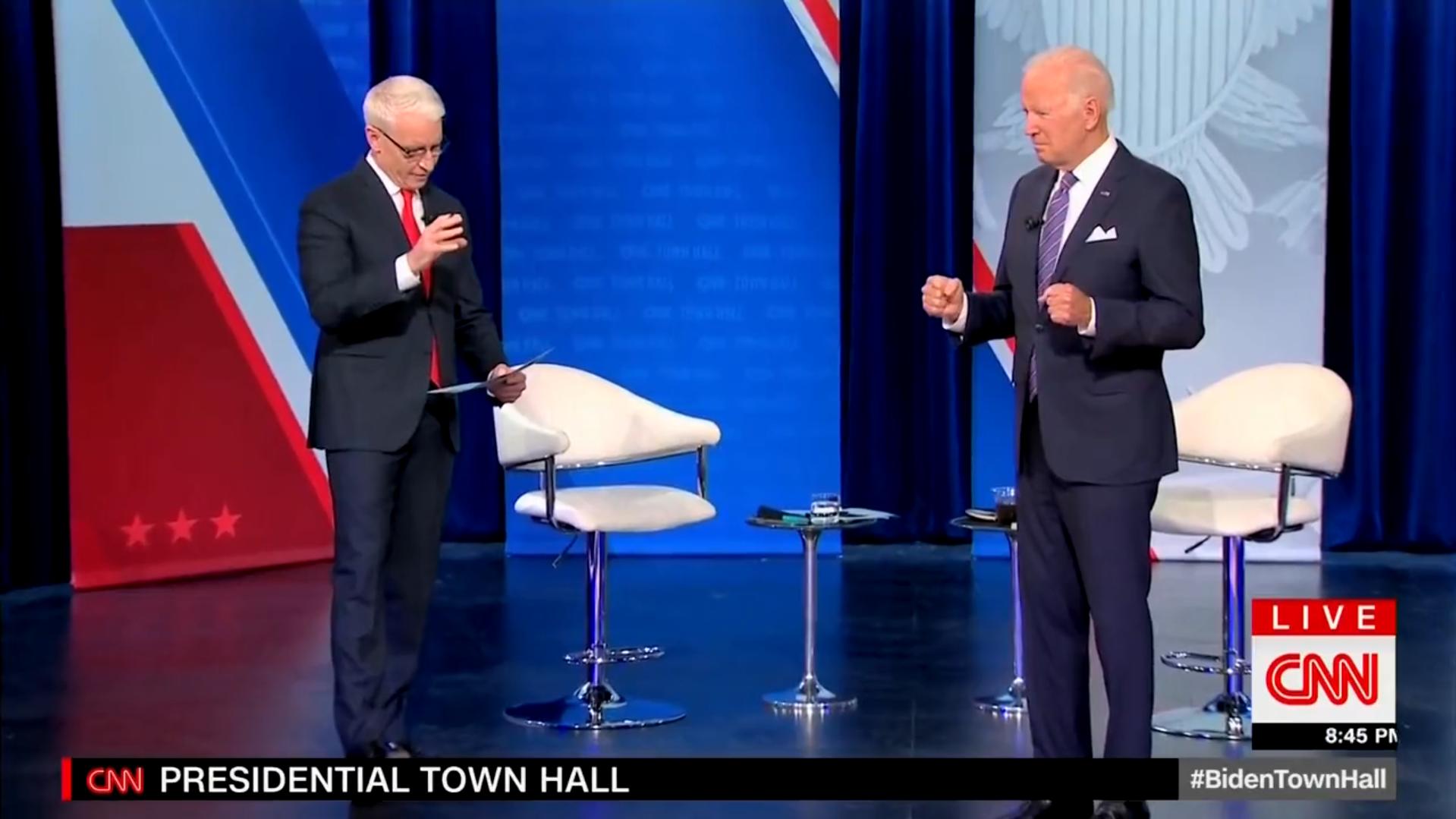 Joe Biden'den canlı yayında anlamsız hareketler